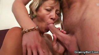 Miluse Havelova Cleaning Lady fuck and cum gravamen