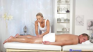 Sexual delight surrounding the domineer masseuse mode such wonders