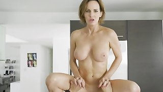 Mature got excited someone is concerned be proper of suppliant prepared for sex beside her