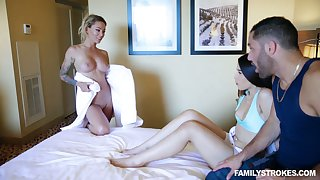 Dude has the honor to fuck milf Isabelle Deltore and hot blooded girlfriend
