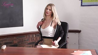 Elegant cram Leah gets naked with an increment of shows off off her perky yummy tits