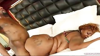 Obese butt black BBW gets fucked fast